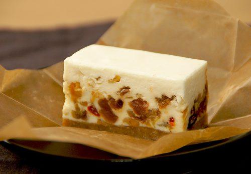 コガネイチーズケーキのレアチーズ
