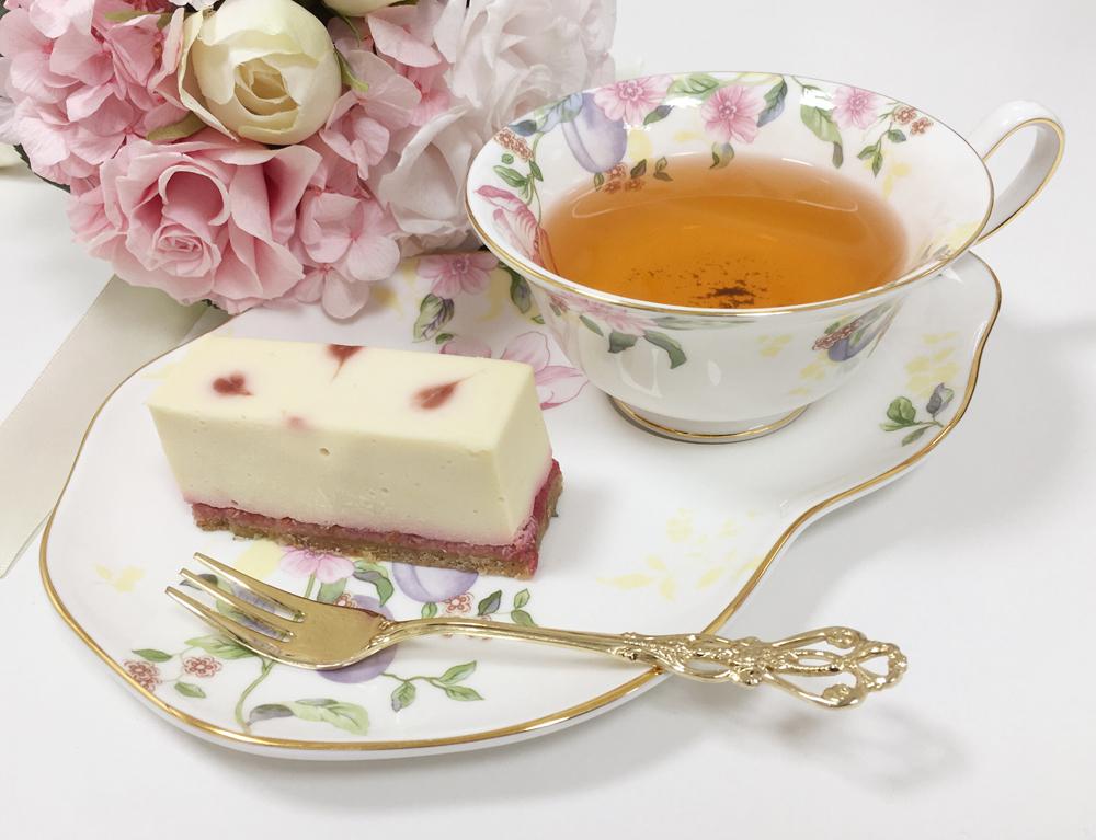 お取り寄せ(楽天) 砂糖不使用 ホワイトベリーのレアチーズケーキ ホール 価格2,786円 (税込)